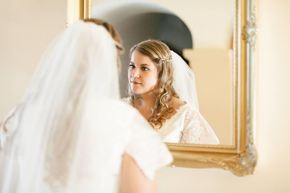 Menyasszonyi fátyol, esküvő, duci menyasszony (2)